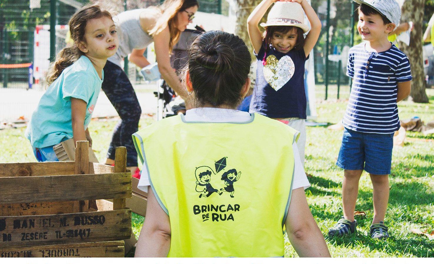 Junta-te ao movimento e a um grupo de pessoas que, como tu, fazem o que é preciso para garantir que as crianças crescem fortes, saudáveis e felizes.  Na Comunidade Brincar de Rua cabem eventos, recebe as notificações e faz parte dos mesmos.